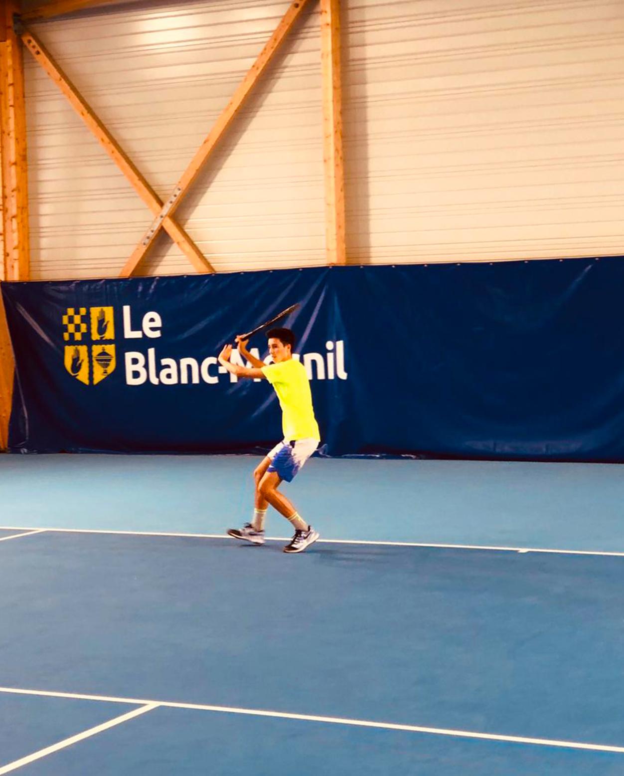 https://www.team-bms-tennis.fr/wp-content/uploads/2020/10/AxelLeduc.jpg